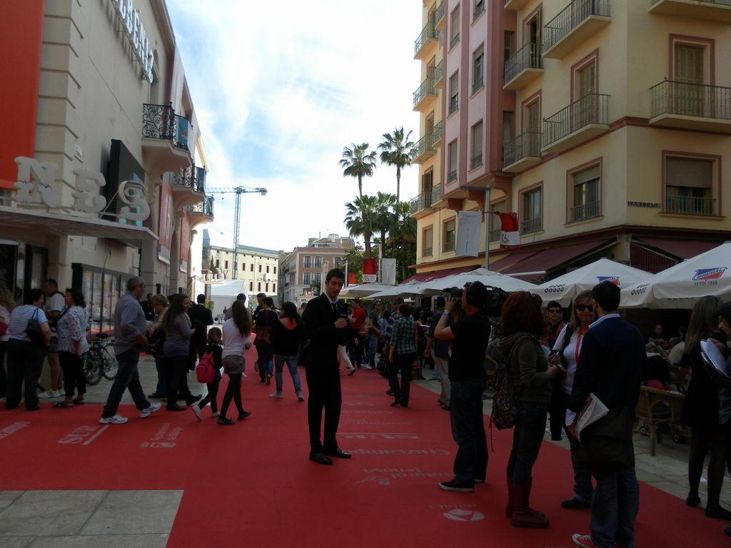 Calle Alcazabilla - Cine Albeniz
